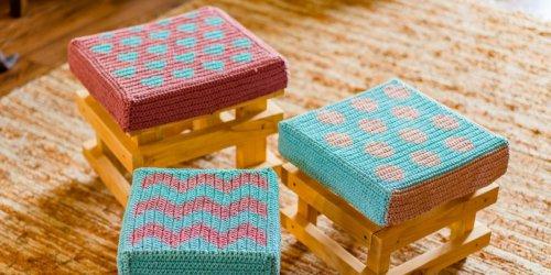 Hokerlíky, lavičky a stoly
